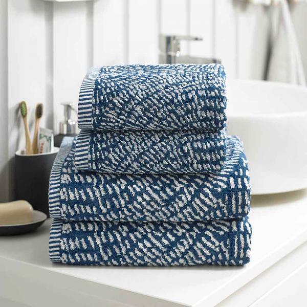Deyongs Cannes 550 GSM Jacquard Cotton Towels